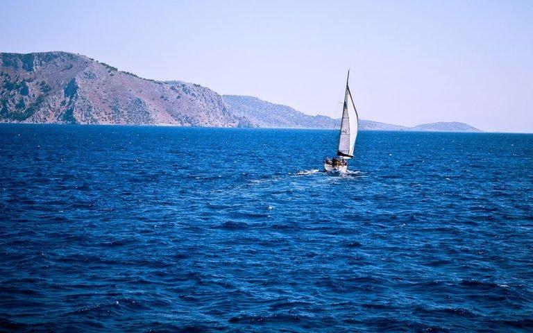 Faire de la voile à Sifnos