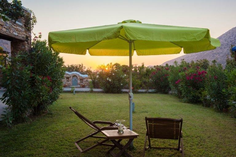 Garden table relax